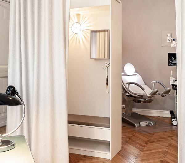 Behandlungsstuhl SGN Berlin